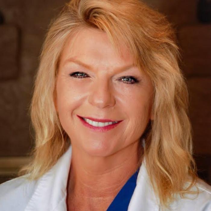 Dr. Sandra Manes </br> D.V.M. photo